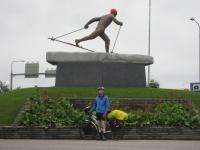 Statue of the Olympic champion Eero Mäntyranta in Pello