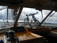 Sailing with a bike fastened to the mast