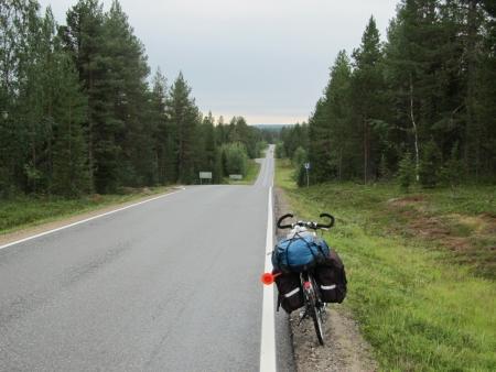 bloody-road-940-to-akaslompolo-jpg