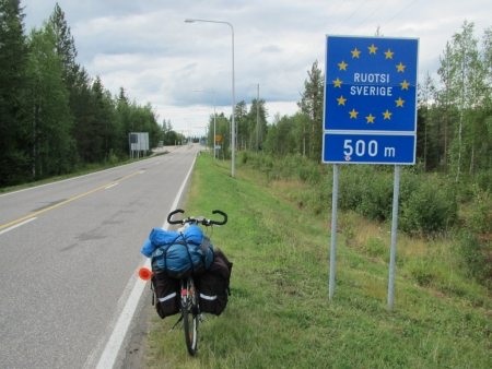 going-to-sweden-from-kolari-jpg
