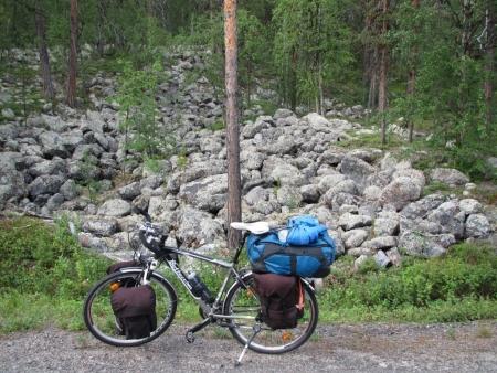 stones-at-pallas-yllastunturi-national-park-jpg