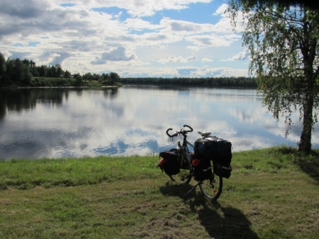 bike-at-the-muonio-river-jpg