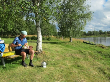 eating-beside-the-muonio-river-jpg